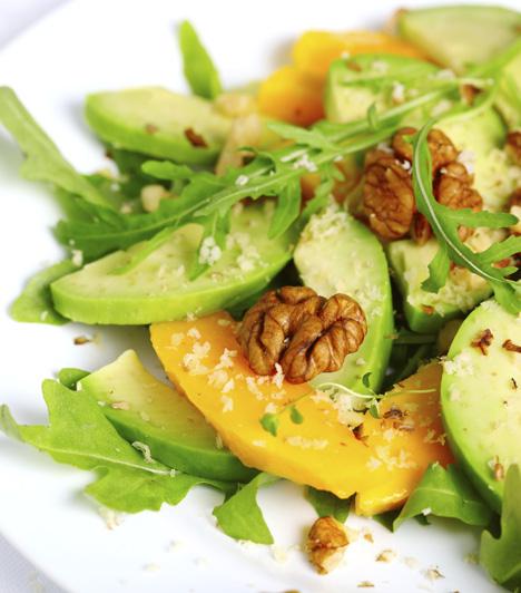Gyors salátaKönnyű, frissítő vitaminbomba, mely bőrödnek is jót tesz.Avokádósaláta »