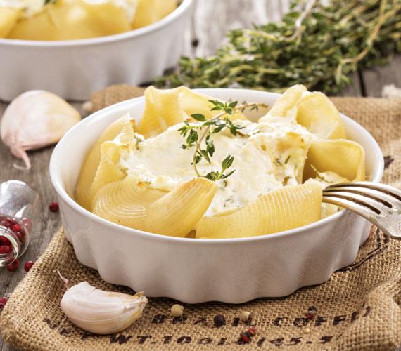 Zöldséges tészták                         A tészta egy remekül felhasználható alapanyag, szinte bármivel jól működik, és gyorsan laktató ételt rittyenthetsz belőle. Válogasd össze a kedvenc zöldségeidet, főzd meg hozzájuk a tésztát, majd keverd őket össze, vagy akár sütőben piríts rájuk sajtot, és úgy fogyaszd.