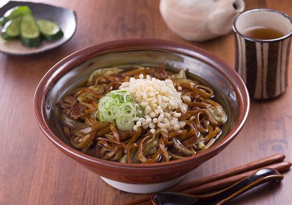 Zöldséges pirított tésztaA kínai gyorsbüfék legnépszerűbb köretét otthon is elkészítheted, bármilyen ételhez passzol, amihez egyébként tésztát ennél, és bármilyen ételhez passzol, amihez egyáltalán köretet ennél, csirkés ragukhoz, rántott falatokhoz, pörköltekhez.
