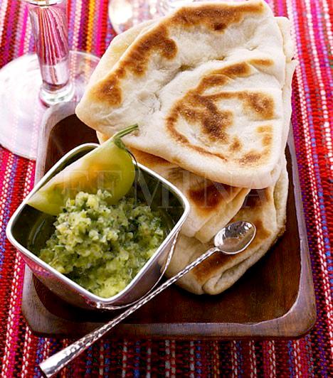 Mexikóban valaki egyszer, nagyon rég rájött, hogy lisztből vagy kukoricalisztből hogyan kell lepényt készíteni, és azóta az összes nemzeti ételükhöz felhasználják ezt a remek találmányt. A tortilla és a burrito alapja is ez, ahogyan a quesadilláé is, melyben több rétegnyi tészta közé ínycsiklandó húsos vagy vegetáriánus tölteléket tesznek. Próbáld ki ezt is!