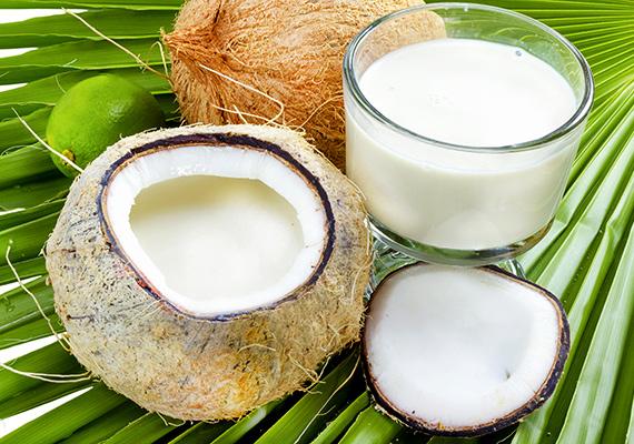 Kókusztej                         A paleo étrend egyik alapvetése, hogy tejet, tejterméket nemigen fogyaszthatsz, azonban ezeket kiválthatod az istenien finom kókusztejjel, ami boltban rettentő drága, de otthon készítve egész költséghatékonyan előállítható. Így készítsd!
