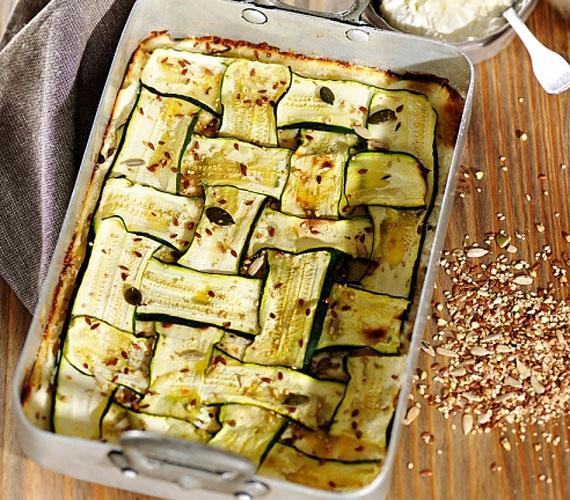 A cukkini a nyár egyik kedvenc zöldsége, bárhogy is készítsd, finom lesz, de az egyik legjobb, ami történhet vele, ha rakottasnak készíted.
