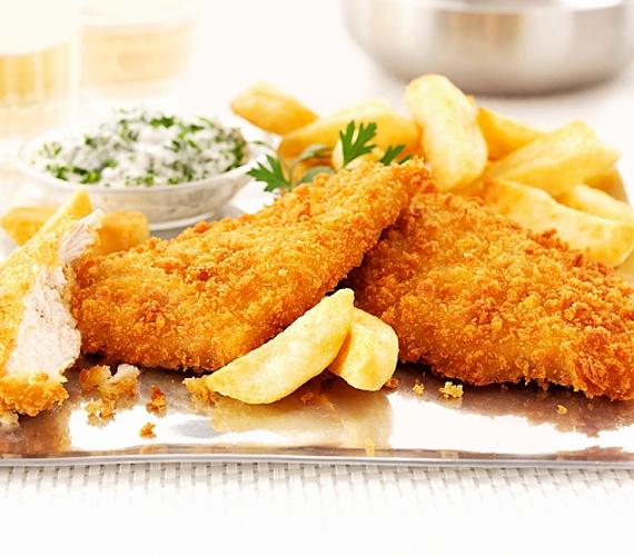 A hazai konyhák abszolút kedvence a csirkemell, pedig nagyon könnyen unalmas ételt lehet belőle varázsolni. Hogy veled ez ne fordulhasson elő, vess be néhány egyszerű, de nagyszerű praktikát - mint például a tejben áztatás -, vagy spékeld meg egy kis mediterrán hangulattal a megszokott ételt!