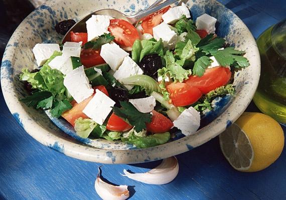 Saláták, amiket mindenki ismer és szeret. A négy legkedveltebb saláta »