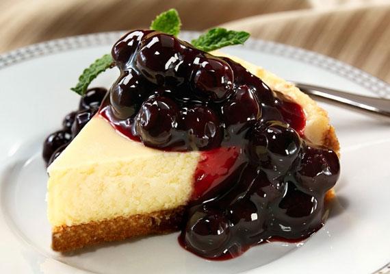 Mascarponés tortaAz egyik legjobb alapanyag a sütésmentes desszertekhez a mascarpone, a lágy krém szinte az összes gyümölccsel remekül kombinálható, és percek alatt mennyei tortát varázsolhatsz belőle.