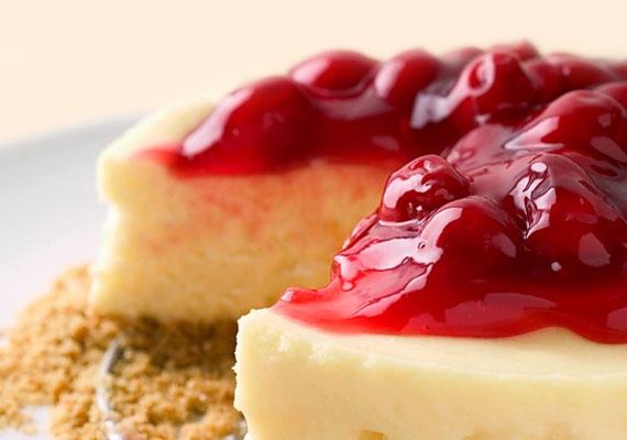 SajttortaA faék egyszerűségével vetekszik az egész világot meghódító sajttorta. A rá halmozott gyümölcsréteg teszi teljessé az élményt, amit egyrészt az íz, másrészt a készítés öröme nyújt.