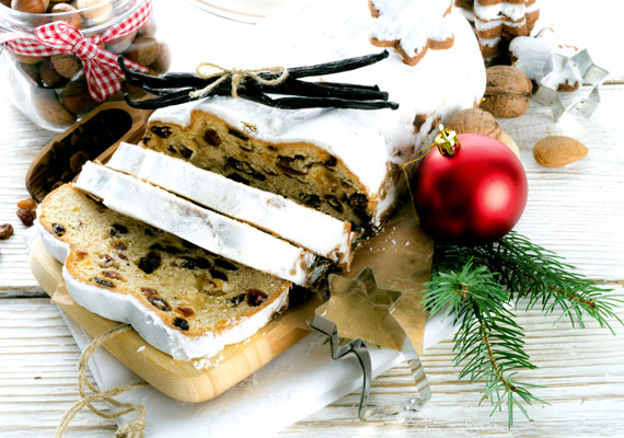 Püspökkenyér                         A püspökkenyér a maradékfelhasználás csúcsa, ebbe a süteménybe egyszerűen mindent beleapplikálhatsz, ami csak a karácsonyi sütés-főzésből megmaradt, az aszalt gyümölcsöket, a piskótamaradékot, a csokikat, a tojásfehérjét, szóval tényleg szinte mindent. Az ajándéknak is adható édesség kész főnyeremény, nem csak ebből a szempontból. Itt egy maradékokra specializált változat, próbáld ki!
