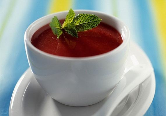 SzilvalevesTalán kissé kevésbé elterjedt a szilvából készült leves, azonban mindenképp érdemes kipróbálnod, nyári napokon könnyű előétel lehet, ami olyankor elég is a gyomrodnak, ráadásul nagyon jót tesz az emésztésednek is.