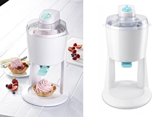 Egy gombóc fagyi manapság már csillagászati összegekbe kerül, pontosan ezért éri meg beruházni egy házi fagyikészítő gépre, amivel annyi jeges édességet készíthetsz, amennyit csak akarsz. Ára 11995 forint.