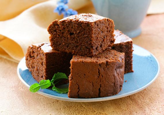 Csokis bögrés süti                         Bögrés is, gyorsan kész is van, és annak is sikerülni fog, aki még életében nem járt konyhában. Ha egyszerű megoldásban és desszertben gondolkodsz, akkor szinte biztos, hogy ezt érdemes választanod, ha pedig már nagyon magabiztosan készíted, gazdagíthatod ropogós magvakkal, a nagyi lekvárjával vagy bármivel. A fehér csokis változat receptjét itt találod.