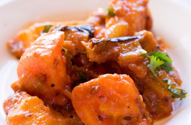 Diétás csirkemellpörkölt rizstésztával