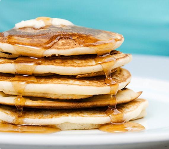 Az amerikaiak kedvenc reggeli csemegéjét te is becsempészheted a konyhádba. Ha nem ragaszkodsz a juharszirupos változathoz, napindítóként grapefrúttal és levendulával is készítheted. Különleges édesség.