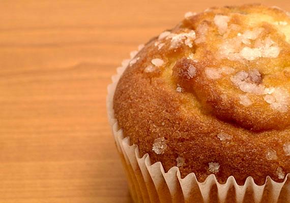 A muffin az egyik leghálásabb sütemény: az alaprecept számtalan módon variálható, gyorsan és könnyen elkészíthető, csupán egy muffinsütő kell hozzá. Most egy túrós-almás változatot mutatunk neked »