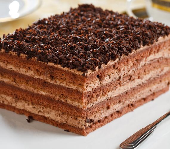 Ha szereted a kapucsínót, bátran készíthetsz csokis-kávés ízesítésű süteményt. Krémes, nagyon finom, és gyorsan elfogy majd.