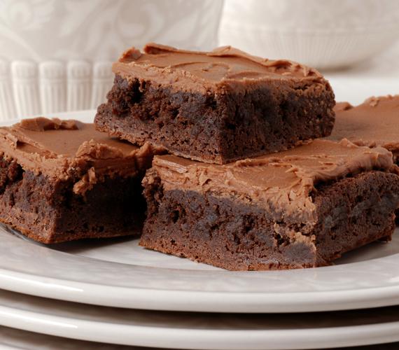 Talán elsőre furcsán hangzik a zöldséget csokoládéval kombinálni, de ha bevállalós vagy, próbáld ki a céklás-csokis süteményt.