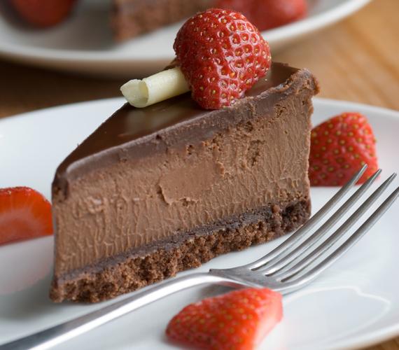 Ha a csokit némi friss gyümölccsel párosítod, mennyei kombinációt kapsz. Szinte lehetetlen elrontani. Készíts te is ínycsiklandó álomtortát.