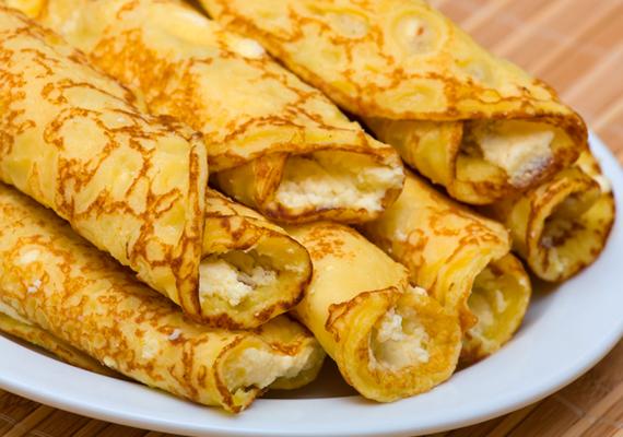 Ha nincs kedved sokat pepecselni a konyhában, a palacsinta gyorsan elkészül, a tölteléket pedig kedved szerint ízesítheted. A túrót vaníliával, reszelt citrom héjával és mazsolával is gazdagíthatod.