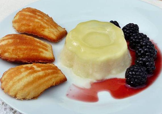 A panna cotta egy igaz olasz desszertkülönlegesség. Bolondítsd meg egy kis szederrel. Megmutatjuk, hogyan csináld »