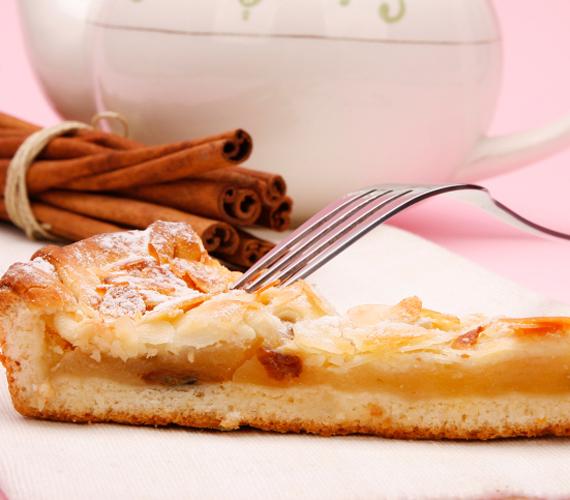 Klasszikus almás lepény  Az almás lepény minden évszakban a család kedvence, és nem is olyan bonyolult elkészíteni.