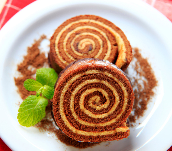 Rumos-kókuszos keksztekercs  A keksztekercs nem igényel nagy konyhai tudást és feldobhatod kókuszos-rumos ízesítéssel.