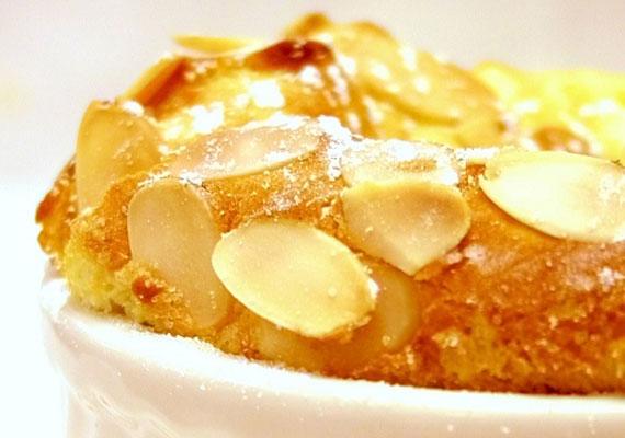 A mandulás felfújt különleges desszert.