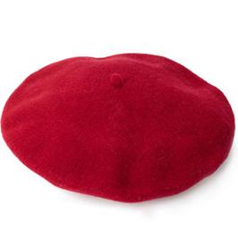 Piroska is megirigyelné