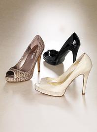 Nyitott cipő