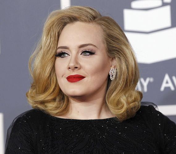 Adele vállig érő hullámos frizurája keskeny és kerek archoz is tökéletes.
