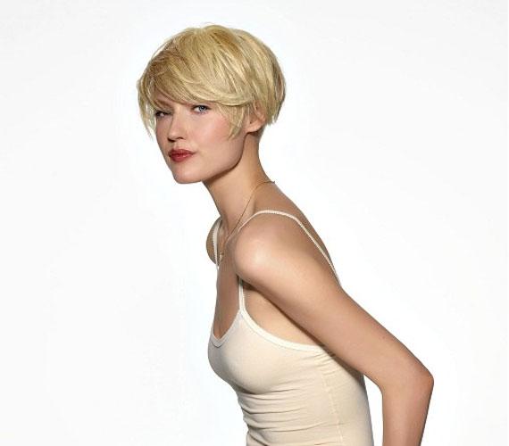 A stuccolt frizura is jó ötlet, ha szereted a rövid hajat, de nem kell, hogy kilátszódjon a tarkó.