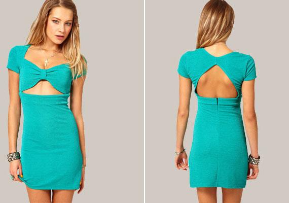 Hasonló a helyzet ezzel a ruhával is, bár a mellből csupán annyit mutat, mint egy bikini, és épp ez a gond vele. Miért öltözne valaki, aki komolyan veszi magát, úgy az utcára vagy egy buliba, mintha épp a strandon lenne? A merész kivágás kifejezetten útszéli jellegű.
