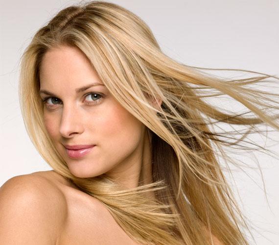 Az egyszerű szőke haj mindig nyerő.
