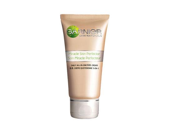 Garnier BB Cream - A blemish balm újdonság itthon, hidratáló színezőkrém, ami remekül fed, egységes bőrfelületet biztosít.
