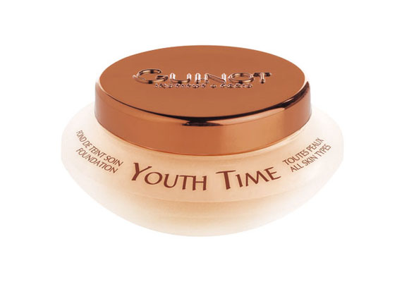 Guinot Youth Time - magasabb árkategóriájú, zöld teát és E-vitamint tartalmazó, közepesen fedő alapozó, mely sokáig kitart.