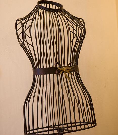 Az öltözködés kiemelheti előnyös tulajdonságaidat, és segíthet abban, hogy eltakard azokat a testrészeidet, melyekkel nem vagy megelégedve 100%-ig.