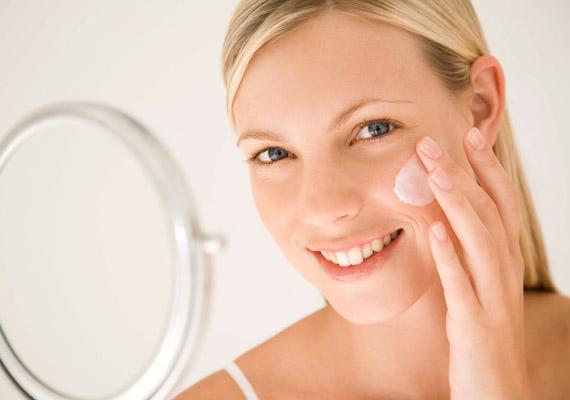 A nők nagy százaléka rosszul méri fel a bőrét, általában zsírosabbnak tartja a valósnál, és ezért rossz termékeket választ, melyek kiszárítják.