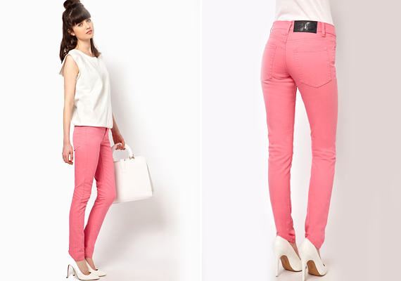 A túlzottan élénk színű nadrágokkal az a baj, hogy kifejezetten a lábadra irányítják a figyelmet, így, ha combtájékon és fenékben kissé erős vagy, még teltebbnek fogsz tűnni.