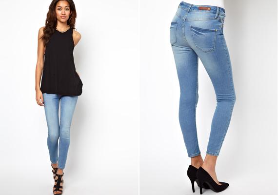 Igaz, kora ősszel még bátran viselhetsz élénkebb, halványabb színű farmert is, mint ez a kék skinny nadrág.