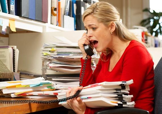 Minél többet stresszelsz, annál nagyobb rá az esély, hogy kipattogsz, ilyenkor ugyanis a szervezet több androgén hormont termel, ami stimulálja a szőrtüszőket és afaggyúmirigyeket.