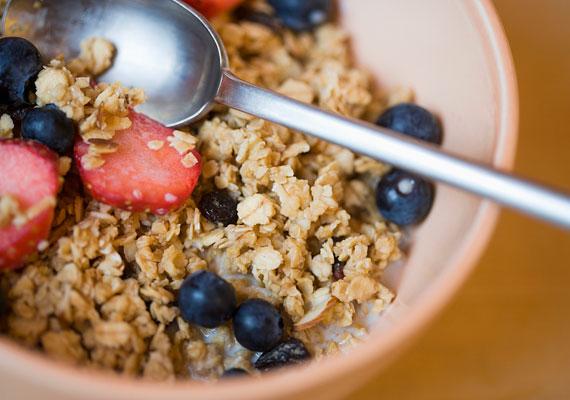 A müzli szintén gazdag B-vitaminokban, de ásványi anyagokban is bővelkedik.