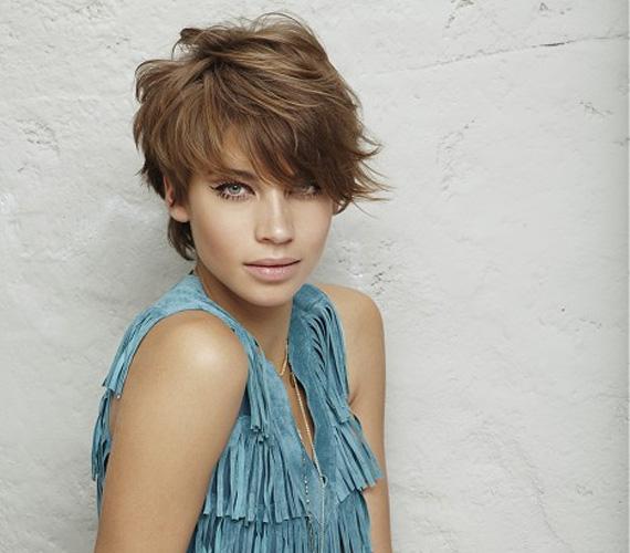 A borzas, romantikus frizura nőies, ráadásul nincs vele sok tennivaló.