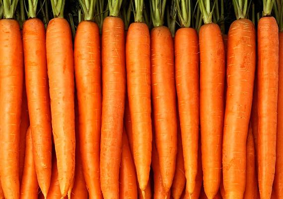 A sárgarépában található béta-karotin A-vitaminná alakul, mely rendben tartja a faggyúháztartást, és antioxidáns is.