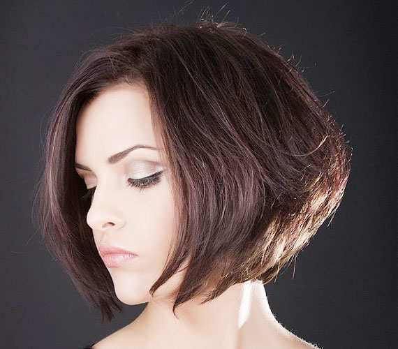 A jól bevált bubifrizura sohasem megy ki a divatból, és nem kell hozzá sokáig növeszteni a hajat.