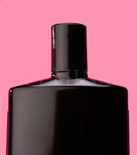 A legjobb, ha a serkentő masszázst kiegészíted valamilyen hajnövesztő készítmény alkalmazásával. A Bánfi hajszesz, a Varga-cseppek vagy más gyógynövényes készítmények régóta segítenek a ritkuló hajon. Mindig olvasd el a használati utasítást.