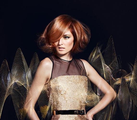 Ha egy kicsit hosszabb a frizura, alászárítva dús hatás érhető el.