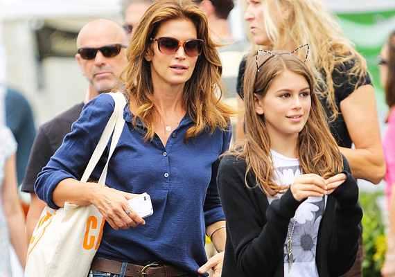 Cindy Crawford lánya, Kaia még csak 13 éves, de már most kiköpött mamája.