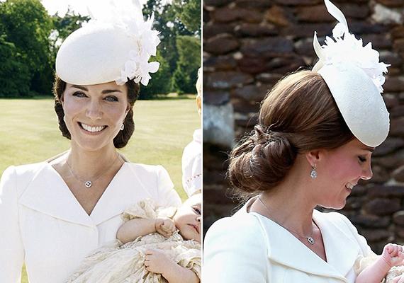 Charlotte hercegnő születése után tavasszal egy idilli és valóban királyi családhoz méltó fotósorozaton szerepelt Kate ezzel a csodaszép konttyal. Vilmos herceg neje azon kevesek közé tartozik, akiket a konty nemhogy nem öregít, hanem inkább üdévé varázsol.