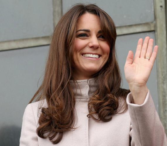 A hercegné a legtöbbször leengedve viseli a haját. Ez a fazon az úgynevezett Chelsea blow dry, ami nagyon népszerű lett az utóbbi időben.