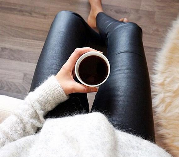 Feketekávé-fogyasztó vagy? Akkor vérbeli városi lány hírében állsz, aki a divatban a kecses és minimalista megjelenést kedveli. A gardróbod tele van olyan darabokkal, amelyek az egyszerűséget tükrözik, ám képes vagy őket úgy összepárosítani, mintha a legújabb tervezői darabok lennének.