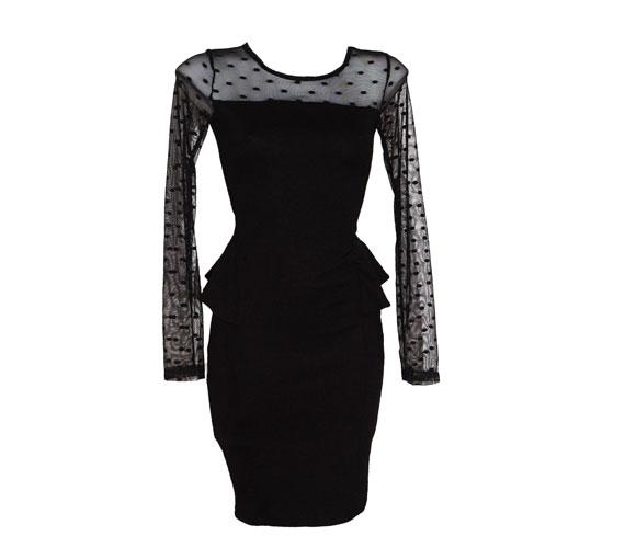 Szintén a Tichoan Mono darabja ez a felül áttetsző ruha pöttyökkel, ami 7990 forintba kerül.