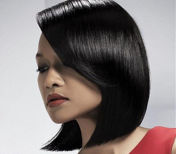 Amennyiben félhosszú hajat szeretnél, az semmiképpen se végződjön egy vonalban az álladdal, hanem érjen egy kicsit alá, mint ahogy ennél a bob frizuránál is látod.